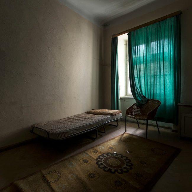urbex exploration autriche hotel thermal chambre vert
