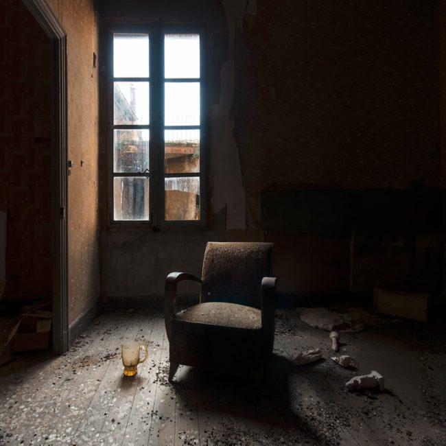 urbex exploration france clair obscur fauteuil