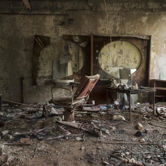 urbex exploration ukraine pripiat tchernobyl coiffeur