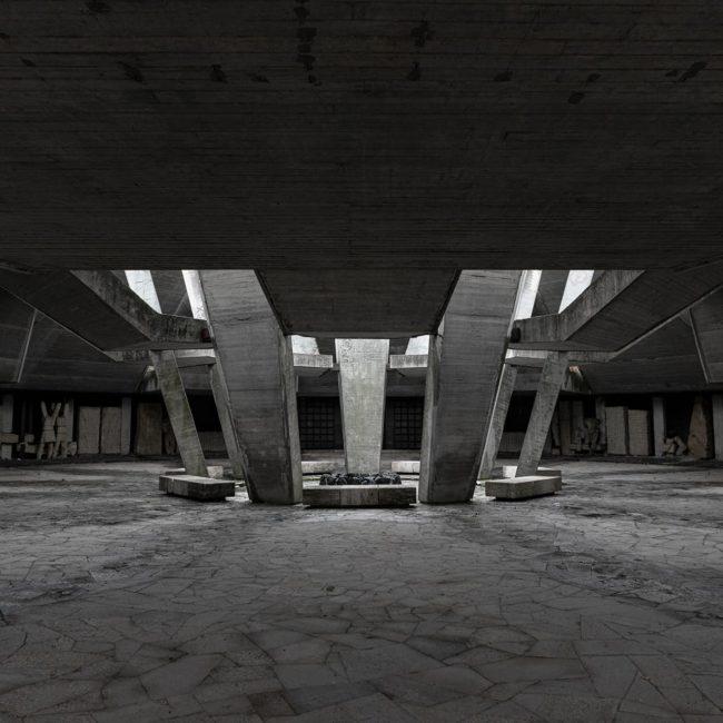 urban-urbex-exploration-bulgarie-fraternal-barrow-memorial