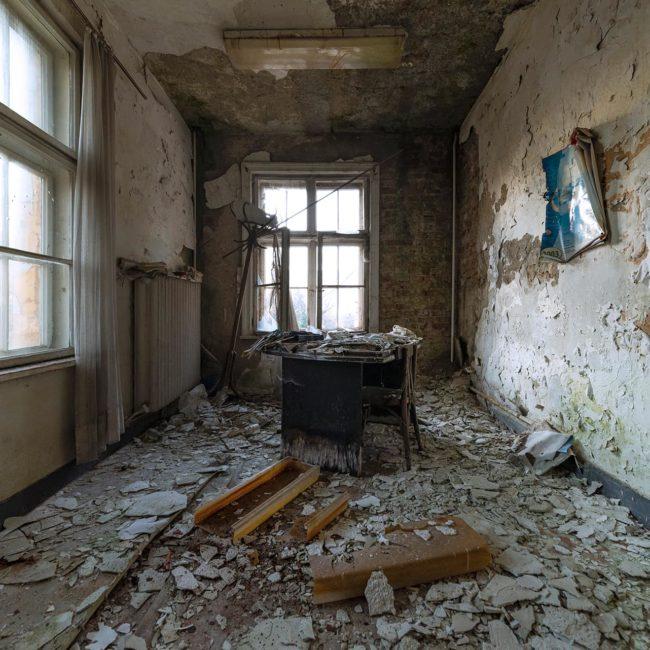 urban-urbex-exploration-bulgarie-secretaire-bureau