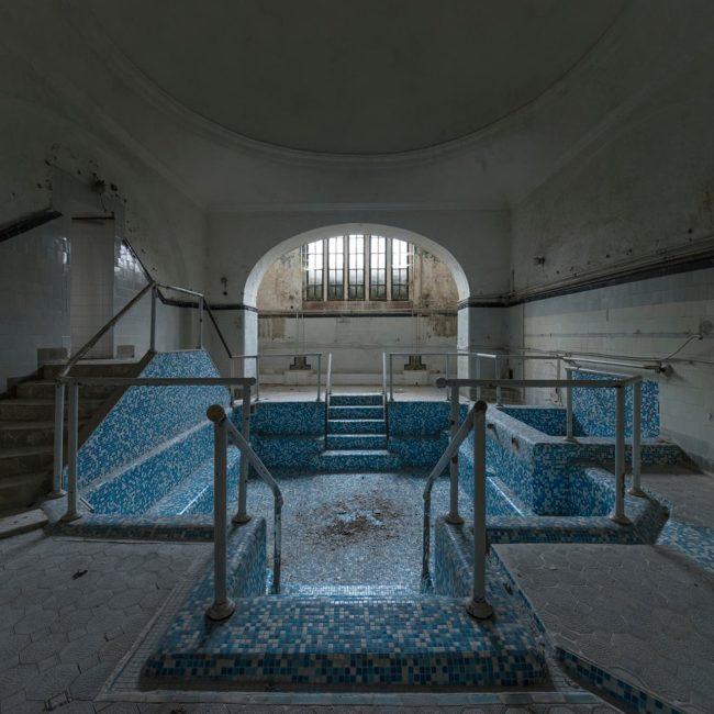 urban-urbex-exploration-bulgarie-thermes-bain-spa-bleu