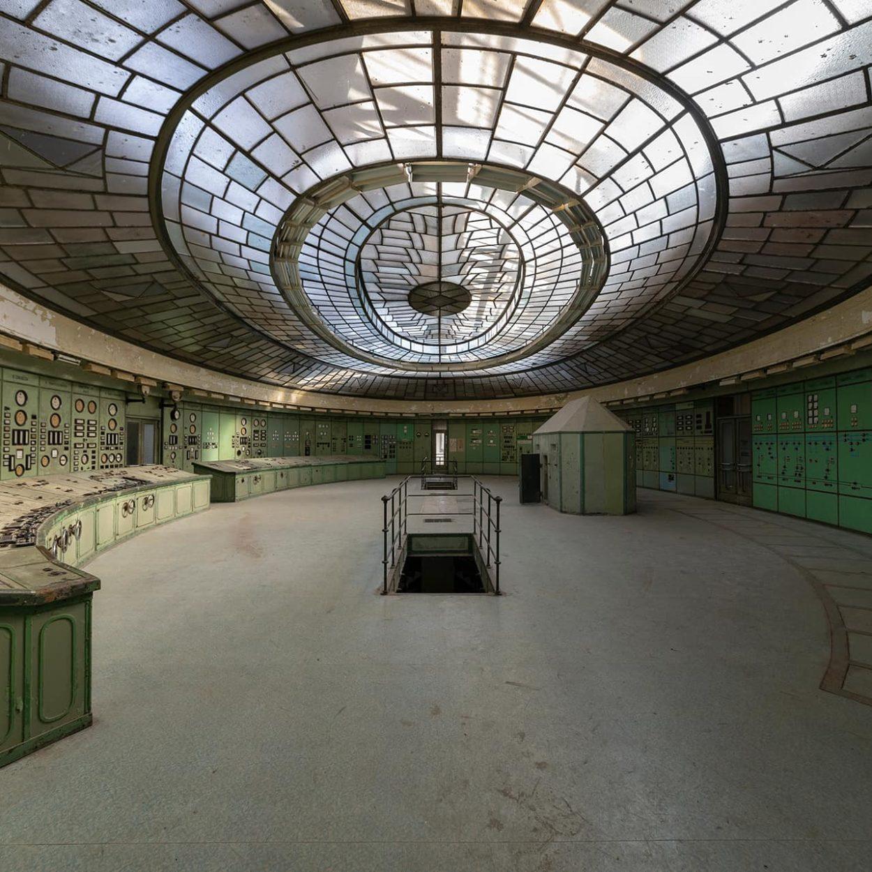 urbex-urban-exploration-hongrie-industriel-kelenfold-salle-commande