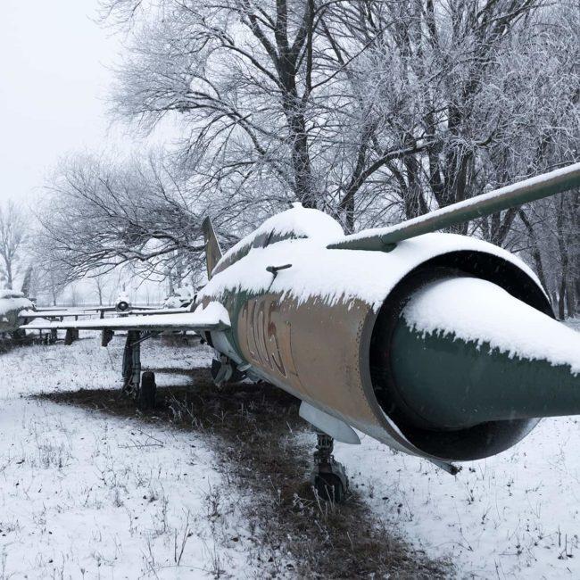 urbex-urban-exploration-hongrie-mig-avion-snow