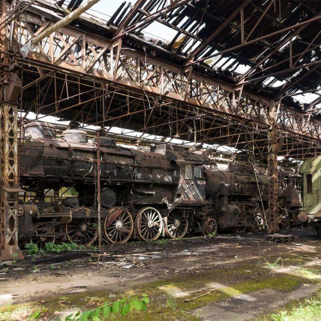 urbex-urban-exploration-hongrie-train-Istvantelek-locomotive