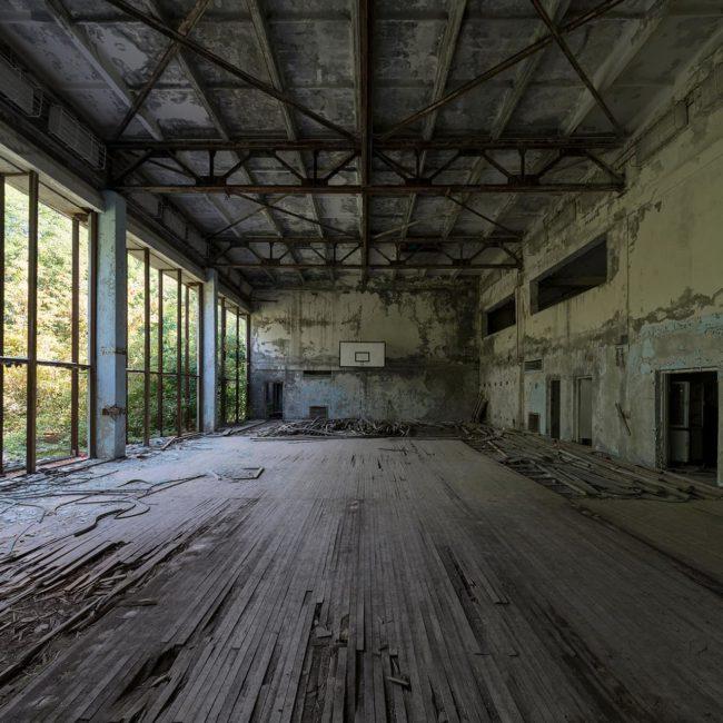 urbex-urban-exploration-ukraine-tchernobyl-pripiat-gymnase-basket