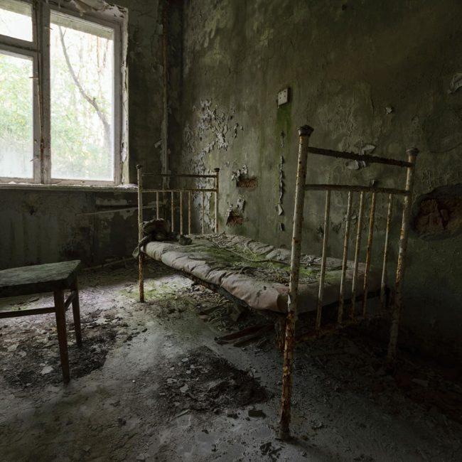 urbex-urban-exploration-ukraine-tchernobyl-pripiat-hopital-lit-chambre