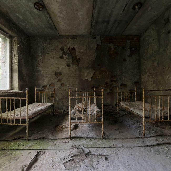 urbex-urban-exploration-ukraine-tchernobyl-pripiat-hopital-lits