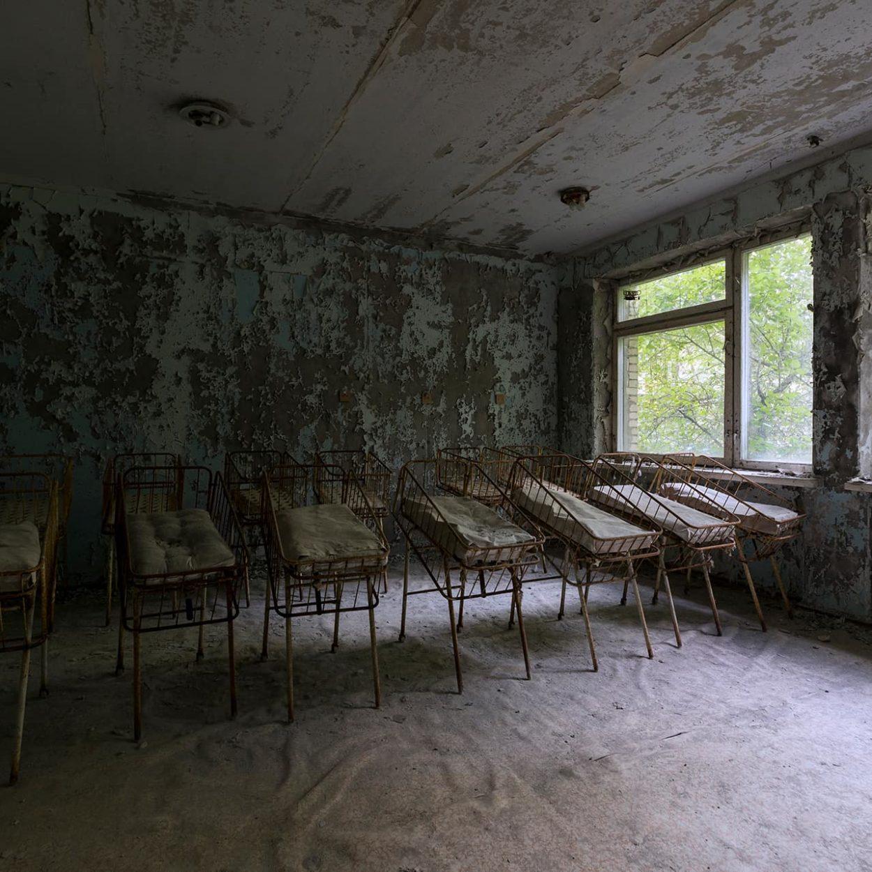 urbex-urban-exploration-ukraine-tchernobyl-pripiat-hopital-nurserie-bebe