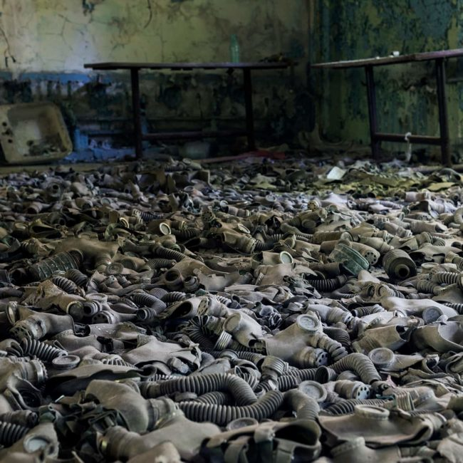 urbex-urban-exploration-ukraine-tchernobyl-pripiat-radioactivite-masque