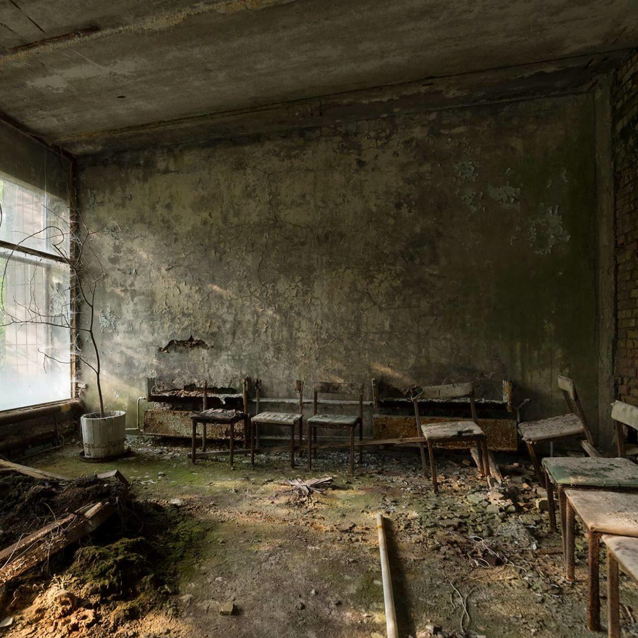 urbex-urban-exploration-ukraine-tchernobyl-pripiat-salle-docteur