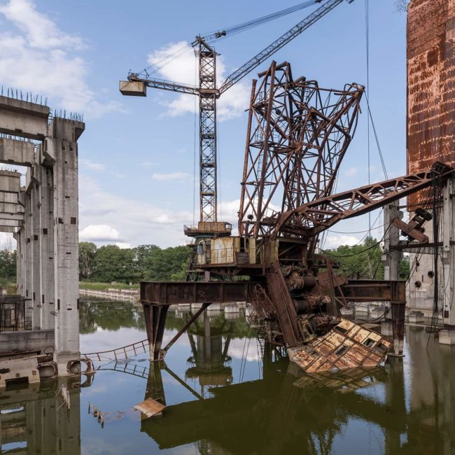 urbex-urban-exploration-ukraine-tchernobyl-pripiat-usine-grue