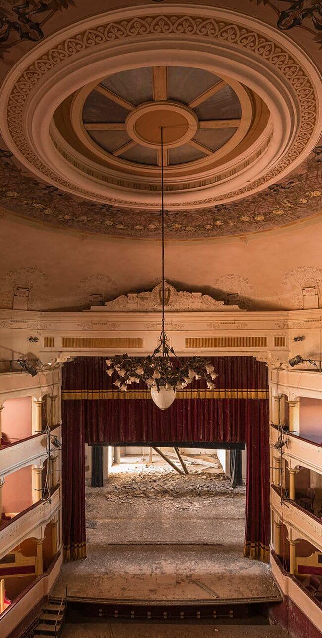 urbex-exploration-italie-theatre-teatro-rose