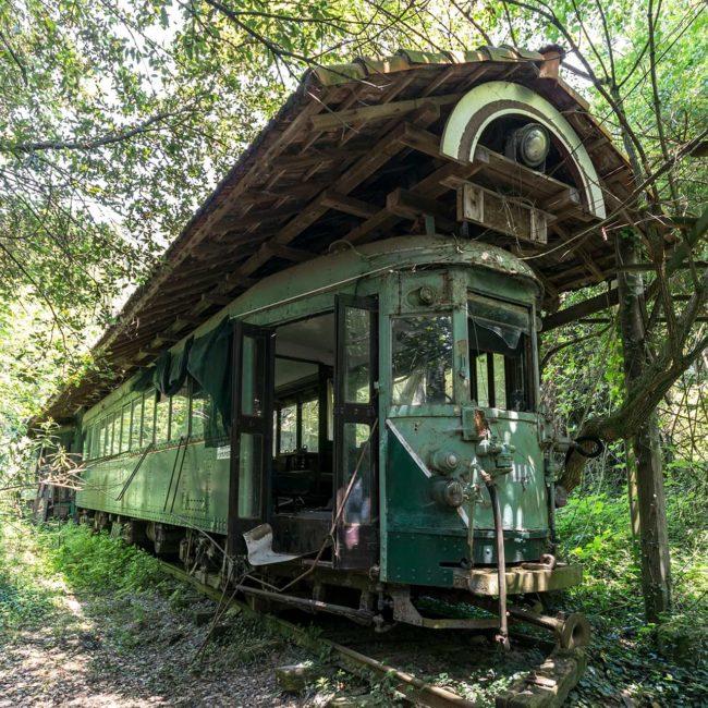 urbex-exploration-villa-italie-train-restaurant
