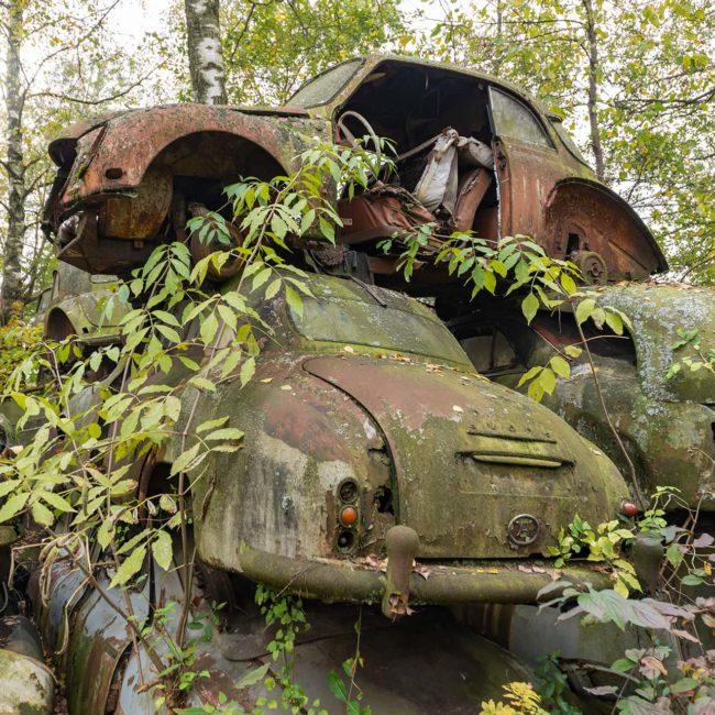urbex-urban-exploration-autriche-graveyard-car-nature