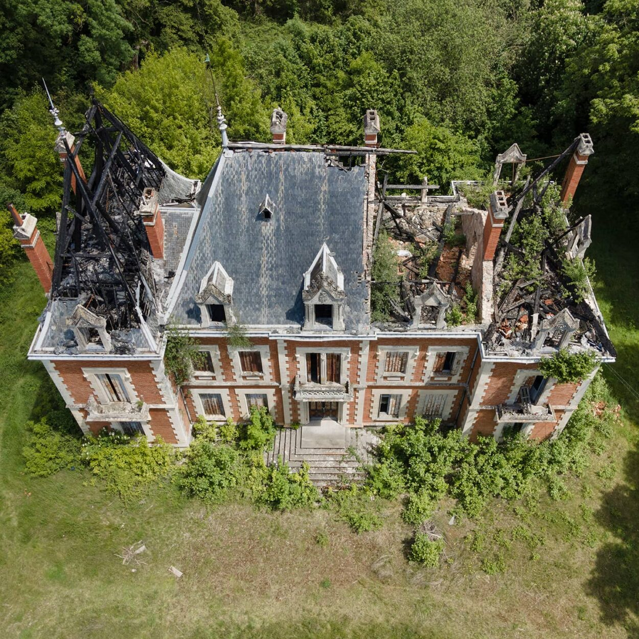 urbex-exploration-france-chateau-chasseur-incendie